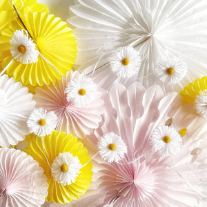 Daisy Party Garland