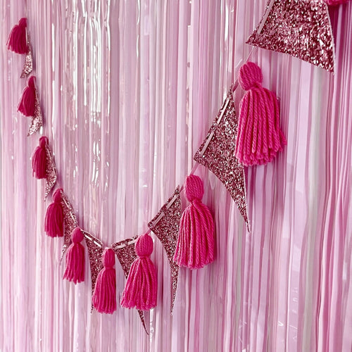 Valentine's Day party decorations by The Little Shindigshop