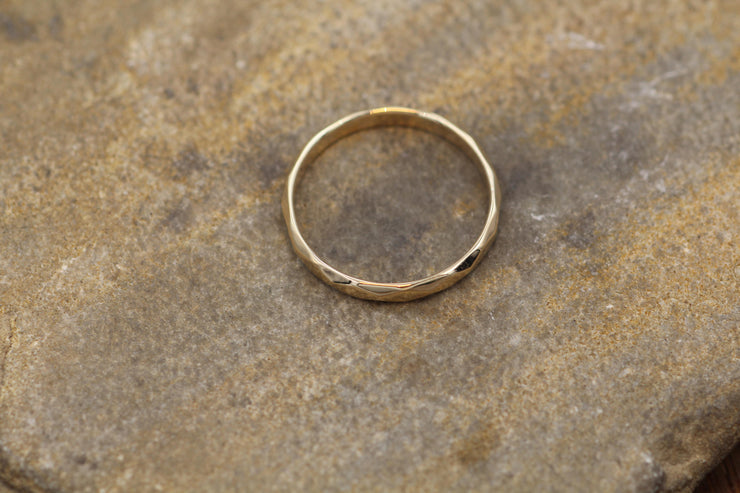 Yellow Gold 2.5mm width Hammered/Faceted Texture - Simple Yellow Gold Band - Personalized, Custom Engraving, Stackable, Hand Made