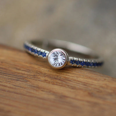White and Blue Sapphire Alternative Engagement in 14 kt White Gold - Sapphire Gold Ring - White Sapphire Bezel Ring - Sapphire Ring