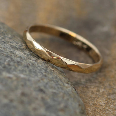 18kt Yellow Gold 2.5mm width Hammered/Faceted Texture - Simple Yellow Gold Band - Personalized, Custom Engraving, Stackable, Hand Made
