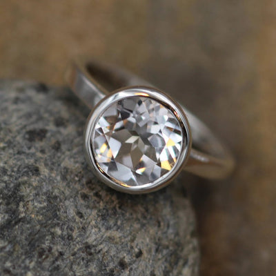 White Topaz Alternative Engagement Ring - Glossy Topaz Ring - Clear Topaz Silver Ring - Topaz Conflict Free Ring - White Topaz Bezel Ring