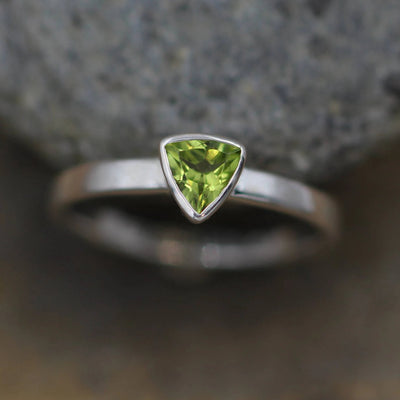 Peridot Trillion Bezel Alternative Engagement Ring -  Peridot Ring - Birthstone Ring - Bezel Solitaire Ring - Daily Ring - Recycled Ring