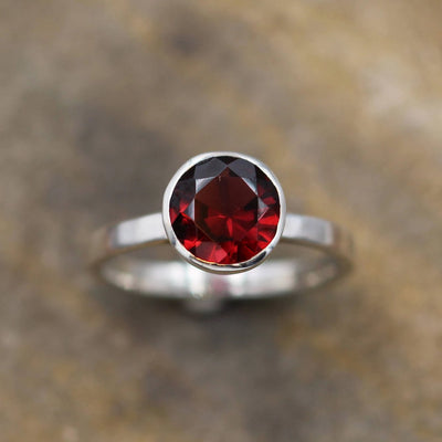 Garnet Bezel Ring Glossy Finish - Solitaire Garnet Ring - Round Garnet Ring - Rock Fettish Ring - Alternative Engagement Ring