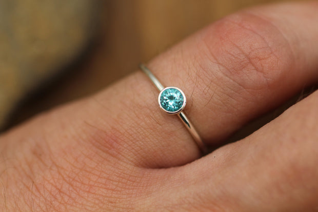 Apatite 4mm White Gold Bezel Ring - Apatite Solitaire Ring - 1.2 mm Band - Apatite Ring - Gold Stacking Ring -  Blue Stacking Ring