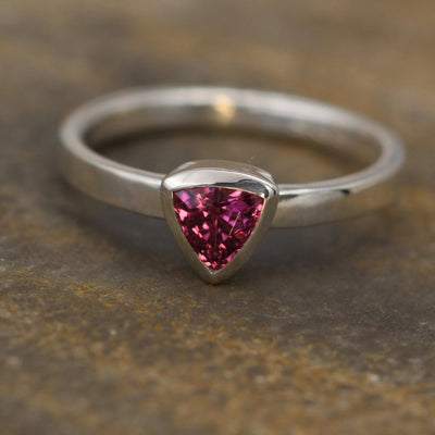 Rhodolite Garnet Trilliant Ring - 5x5mm Glossy Finish - Engagement Ring - Garnet Bezel Ring - Triangle Ring - Rhodolite Ring