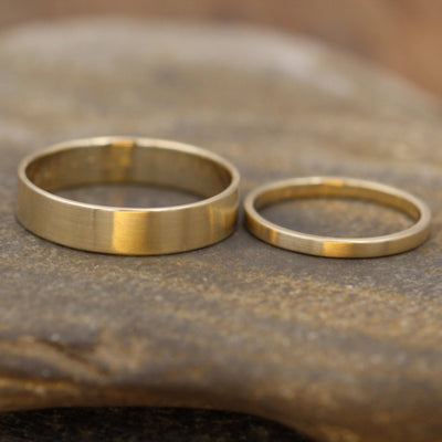 18kt Yellow Gold Wedding Ring Set 5x1mm and 2x1.2mm Matte Gold Bands - Matte Bands - Yellow Gold Bands - Low Profile Gold Bands