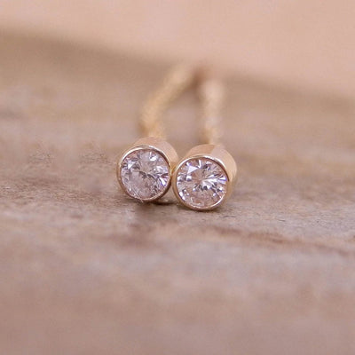 Diamond Threader Stud Earrings -  Hand Made in 14 kt yellow gold - 0.1 ct total weight - VS Clarity - Brilliant Cut