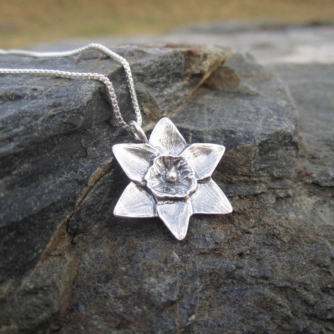 Flower pendant by Beth Millner Jewelry