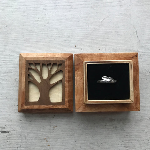 summer twig ring in a handcrafted, artistree by jess wooden box linking to the twig collection by beth millner jewelry