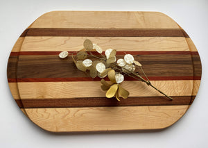 "Mystic Woodworks 16"" x 26"" Carving Board"
