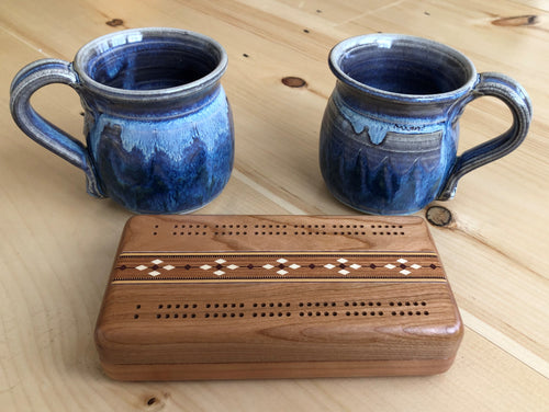 Cribbage Set & Pair of Mugs