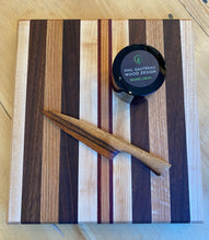 "Load image into Gallery viewer, Cutting Board: 9"" x 10"""