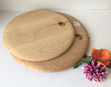 Load image into Gallery viewer, Birdseye Maple Circular Board