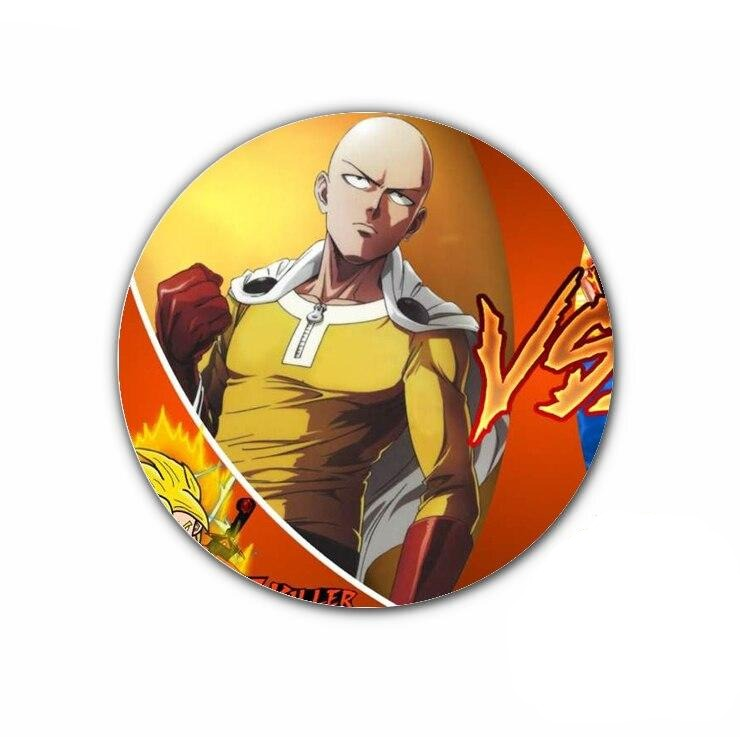 Pin's One punch man Saitama chauve capé gants rouge