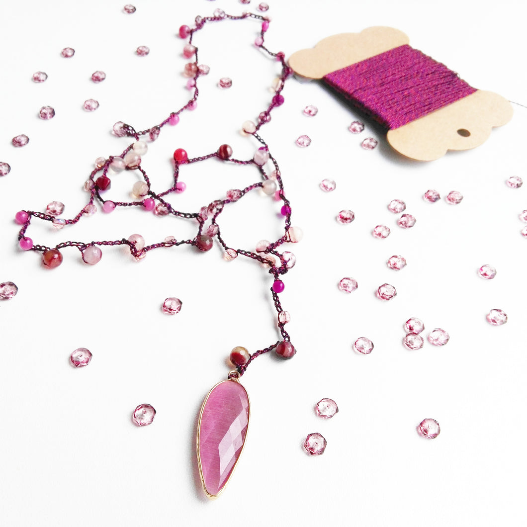 Crochet necklace - Pink