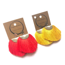Load image into Gallery viewer, Big tassel earrings