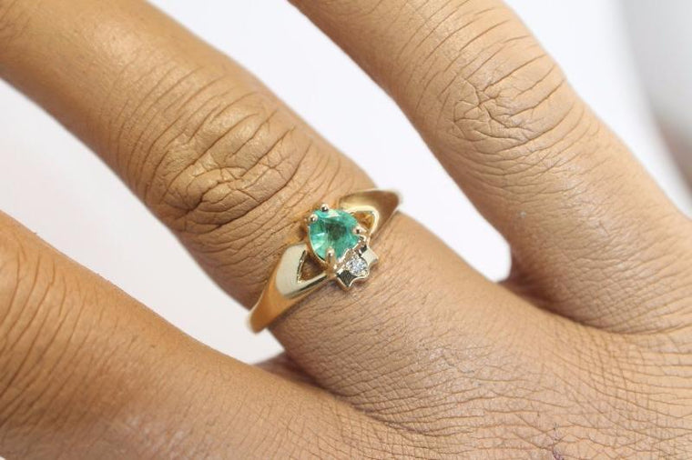 Jewelry - 14K Claddagh Ring, Real Emerald And Diamond Contemporary Claddagh Ring