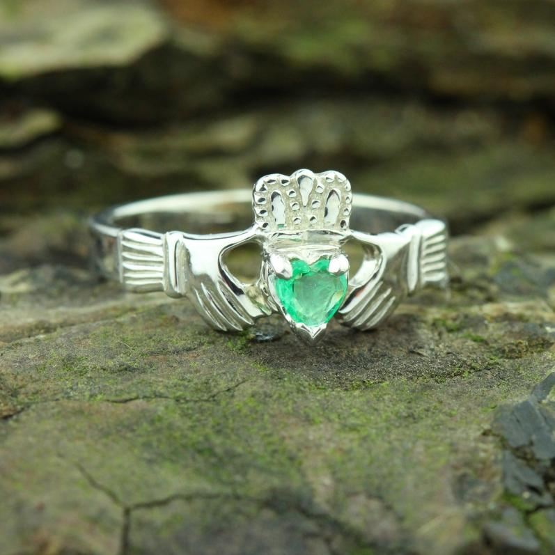 Jewelry - Claddagh Ring, Ladies Claddagh Ring, Set With Real Natural Emerald Gemstone.
