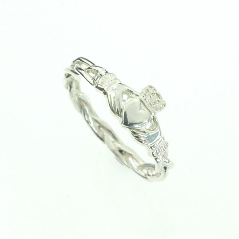 Claddagh ring, ladies silver claddagh ring on celtic rope band ...