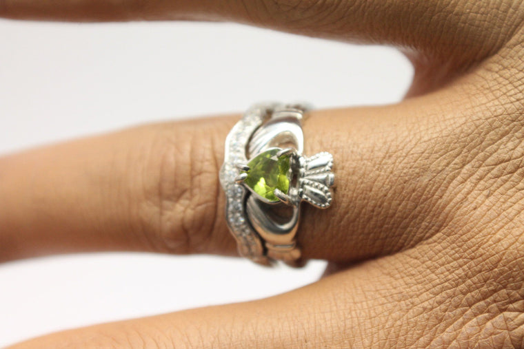 Jewelry - Green Peridot Gemstone Claddagh Ring And Matching Stone Set Band.
