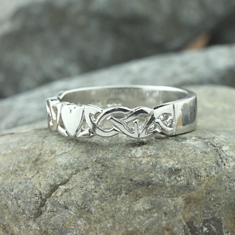 Jewelry - Irish Celtic Knot And Heart Band