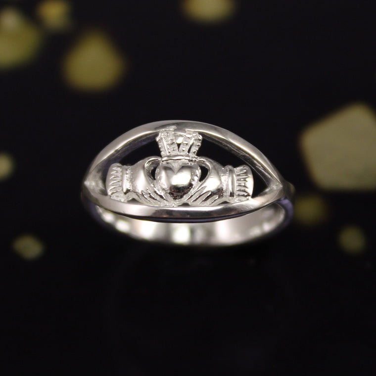 Jewelry - Irish Silver Claddagh Celtic Ring