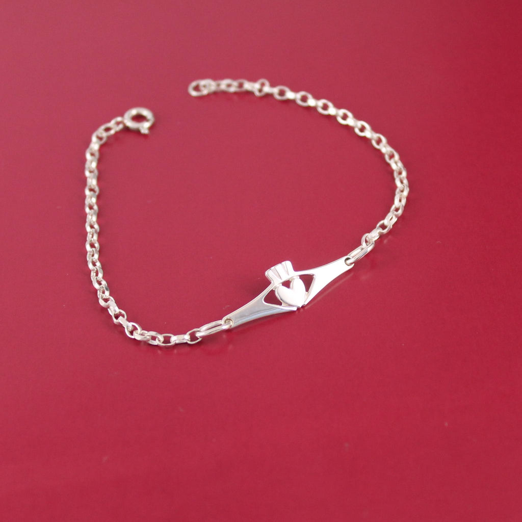 Jewelry  - Ladies Claddagh Bracelet