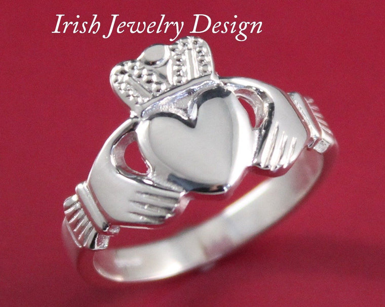 Jewelry  - Mens Silver Irish Celtic Claddagh Ring.