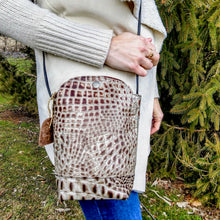 Load image into Gallery viewer, Gator Design Crossbody Bag