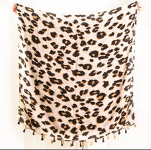 Load image into Gallery viewer, Leopard Scarf