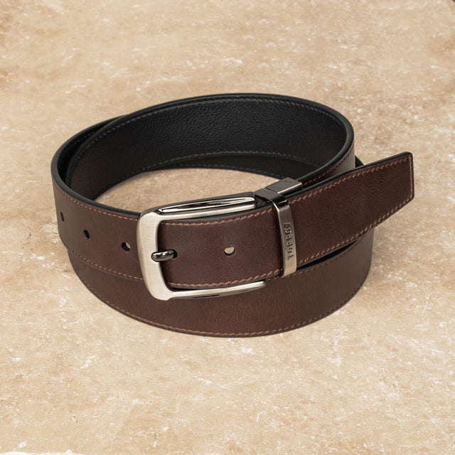 Brown leather belt with TORRO branded buckle Presented in a TORRO gift box