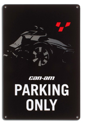 Enseigne Can-Am sur route Parking Only