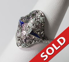 18kt White Gold Diamonds & Sapphire Ring