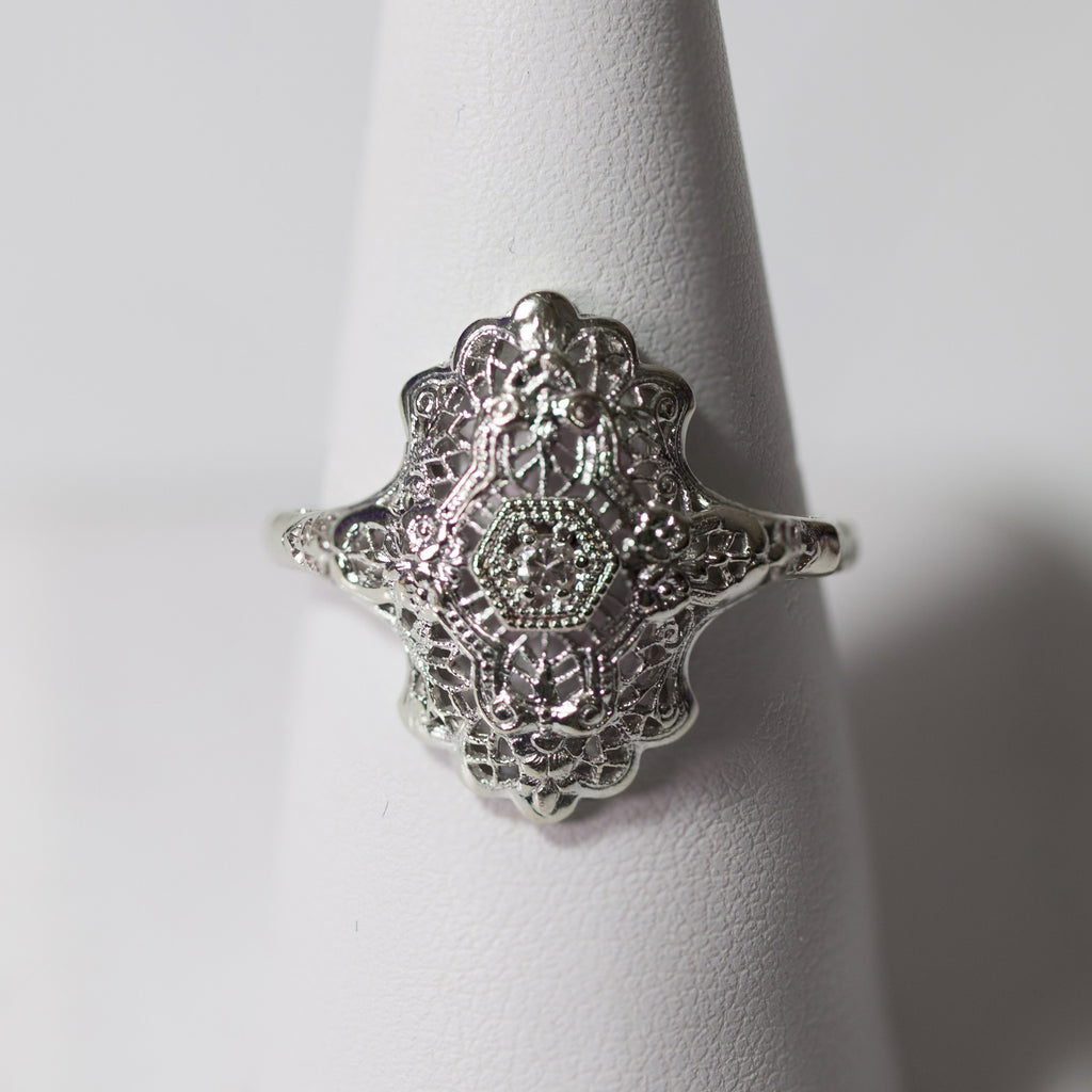 14kt White Gold Filigree Antique ring