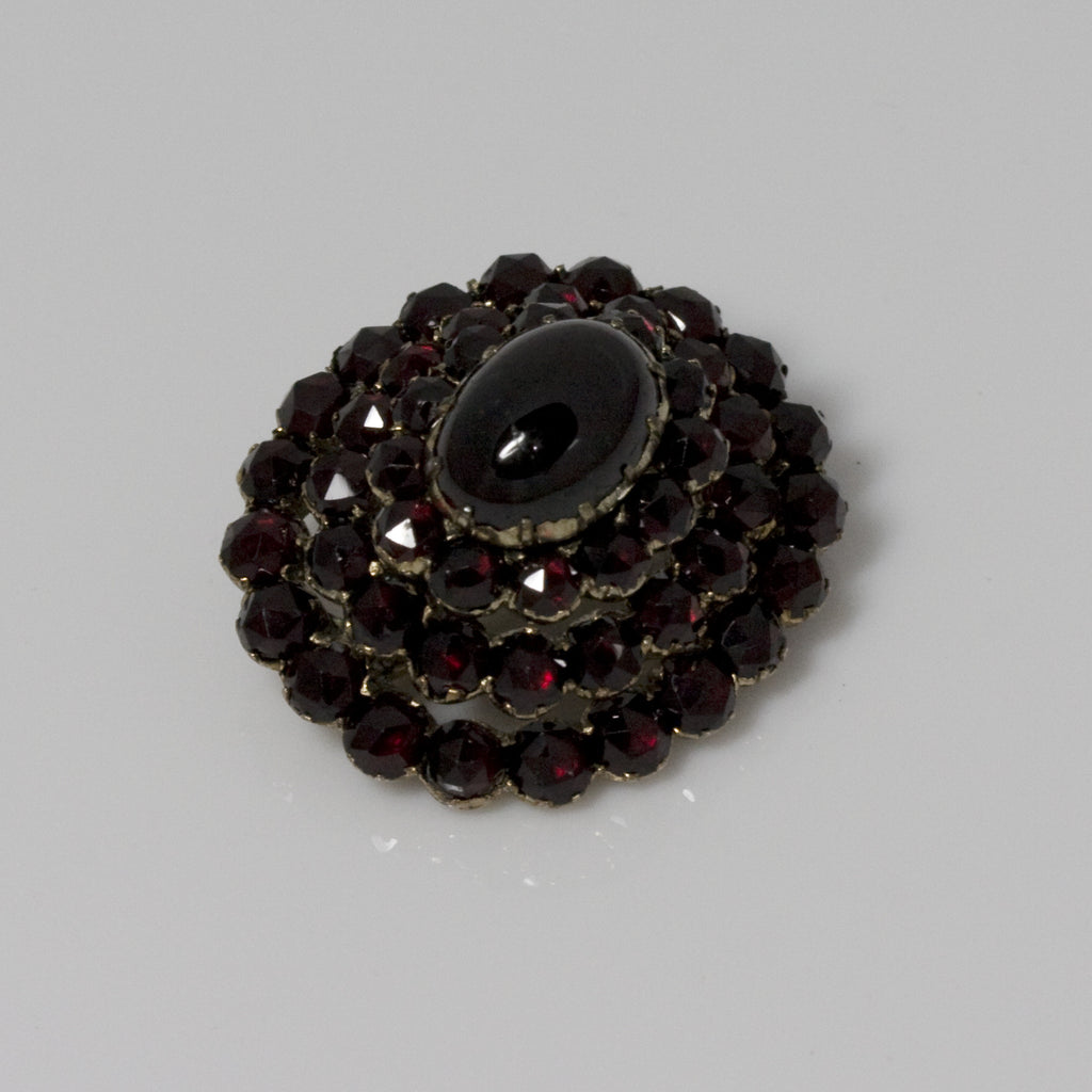 Antique Bohémien Garnet Brooch