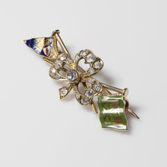 18kt Antique Clover Pin