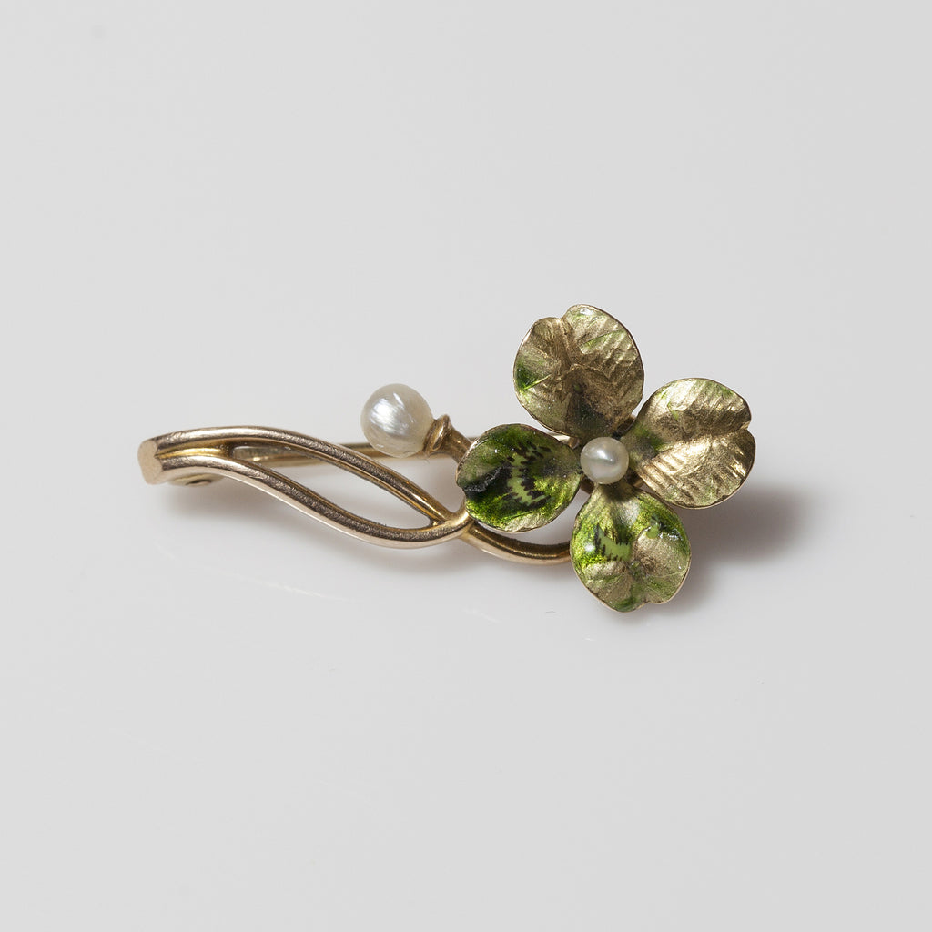 14kt Pearl with Shamrock Pin