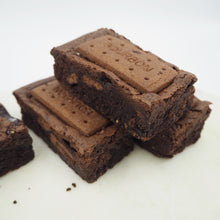 Load image into Gallery viewer, TREAT BOX - BROWNIE & BLONDIE MIX