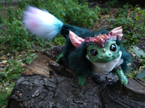 Dark-green succulent dragon posable art toy