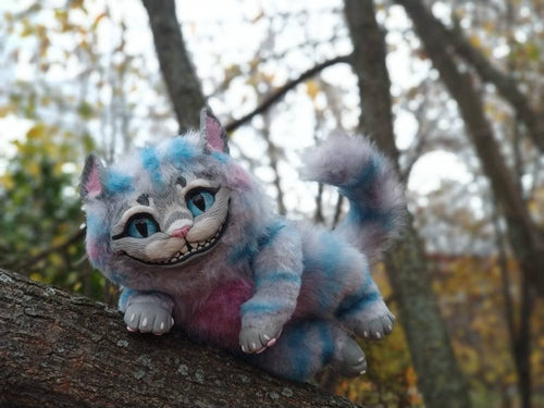 Cheshire kitten poseable art toy