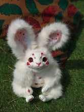 Load image into Gallery viewer, White spiderbunny