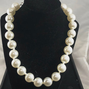 16mm White Glass pearl Statement necklace