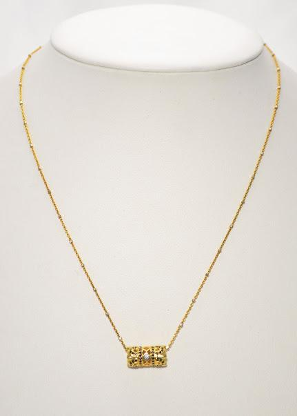 A Gold Tone Sterling Silver Chain with A Barrel Pendant; 17