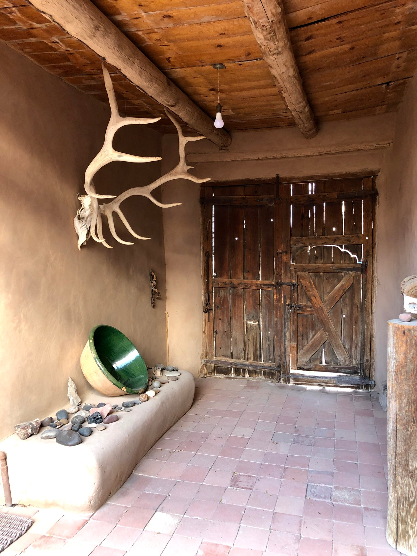 THE ICONIC O'KEEFFE ANTLERS