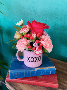 XOXO Mug Arrangement