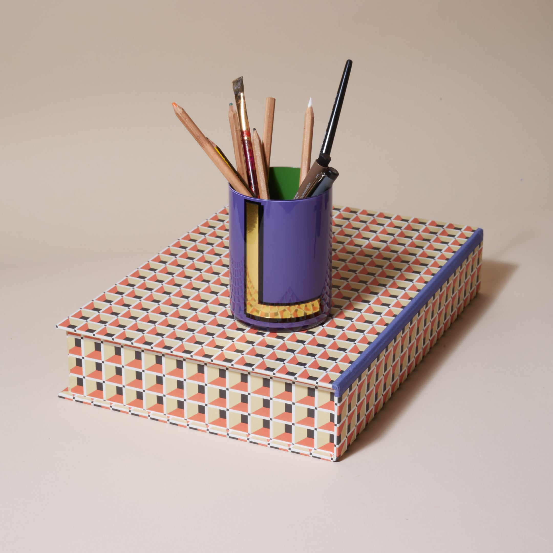 Alphabet Brush Pot - L