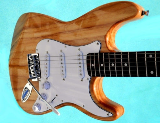 "Elite Strat Pro Style Guitar "" The Natural "" Mdl-Nstrat w/ Hot Z-Mule® Pickups"