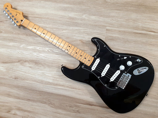 2015 Fender® Stratocaster Guitar w/ Black Gilmour styling & MODS MINT SSS