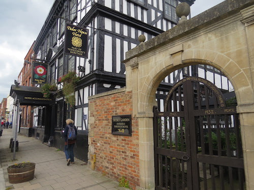 Things to do on a Cold Rainy Day in Tewkesbury - Mooching Around a Museum...